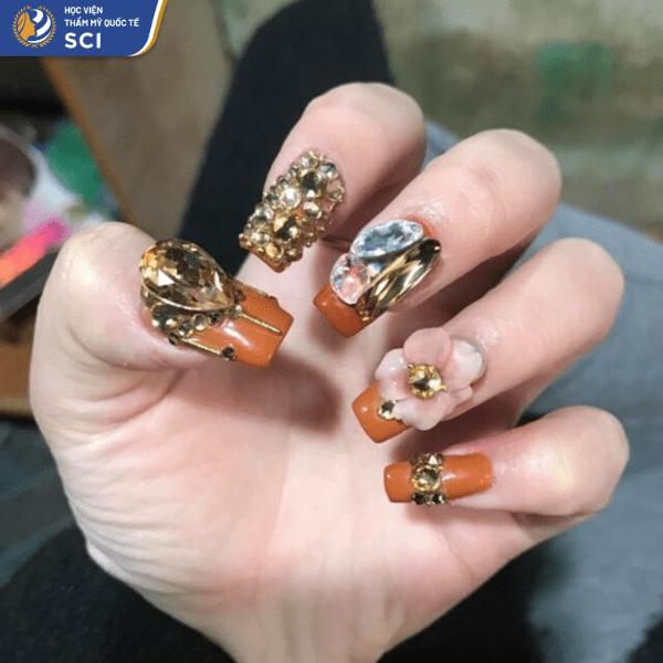 Mẫu nail thích hợp với những cô nàng chuộng phong cách trưởng thành và quyến rũ - hoidapnails.com
