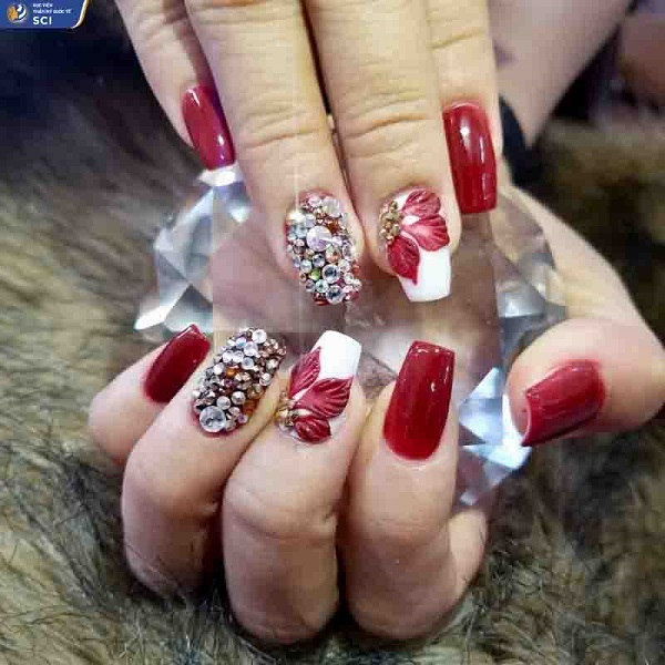 Học nail chuyên nghiệp giá bao nhiêu? - hoidapnails.com
