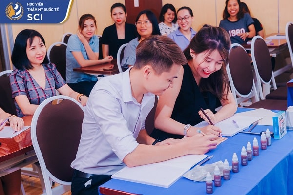 Giá học nail - hoidapnails.com