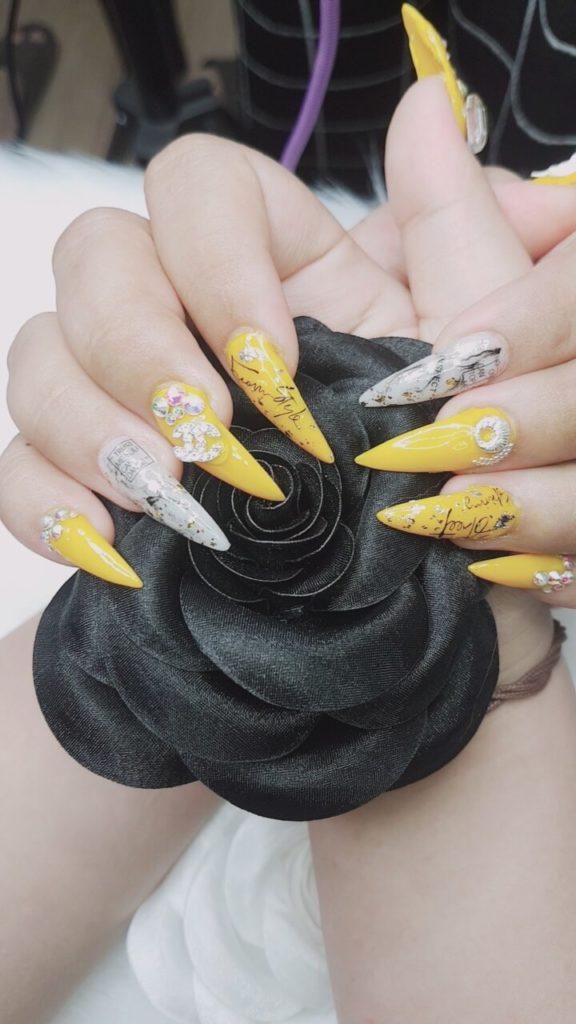 những mẫu nail đơn giản mà đẹp - hoidapnails.com