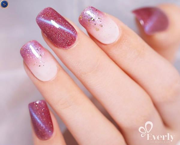 Mẫu nail ánh nhũ thu hút ánh nhìn - hoidapnails.com