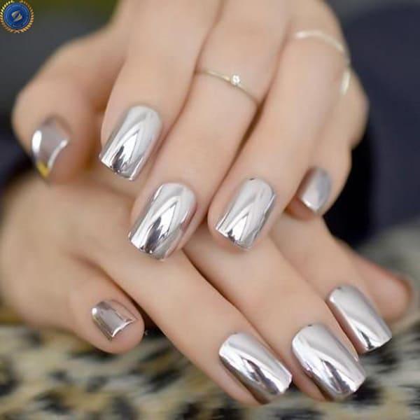 Phong cách nail trang gương kiêu kỳ - hoidapnails.com