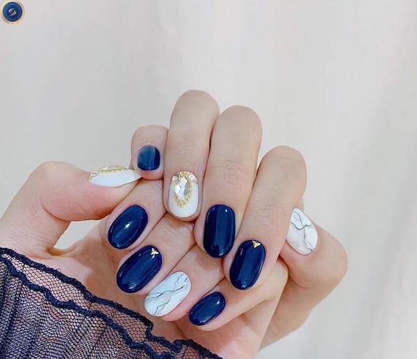 Cô nàng yêu màu xanh đừng bỏ qua mẫu nail Tết này nhé - hoidapnails.com