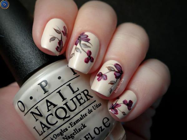 Một mẫu nail hoạ tiết hoa chị em có thể tham khảo cho dịp tết - hoidapnails.com