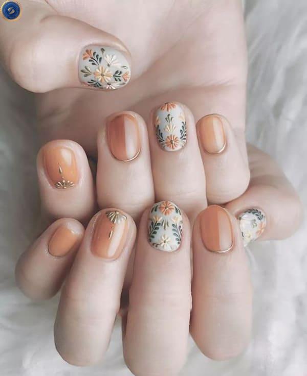 Mẫu nail nhẹ nhàng cho cô nàng thích phong cách vintage - hoidapnails.com
