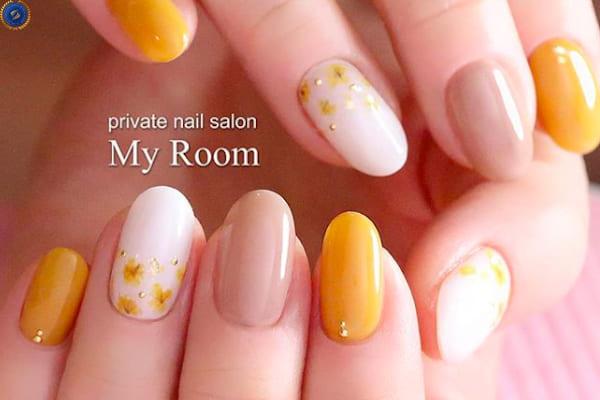 Bộ nail tông vàng tươi trẻ cho một năm mới đầy niềm vui - hoidapnails.com