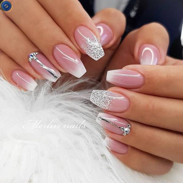 Một mẫu nail không kém phần nữ tính cho ngày tết - hoidapnails.com