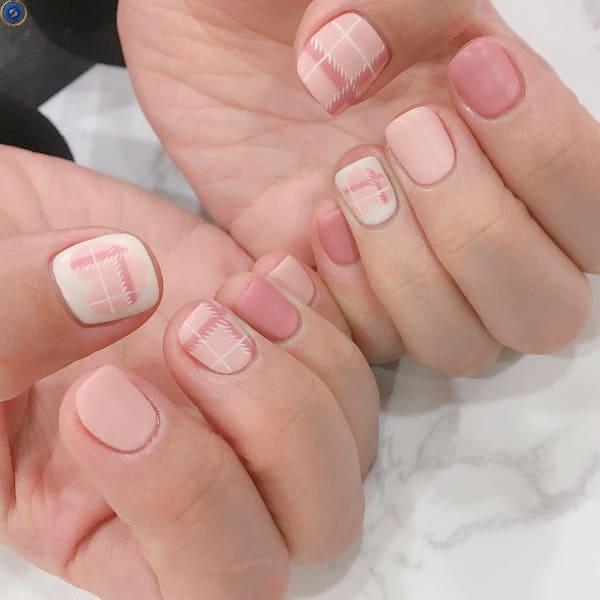 Hoạ tiết caro trên nền hồng dành cho cô nàng kẹo ngọt - hoidapnails.com